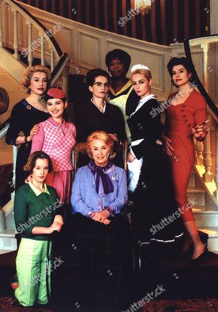 Ludivine Sagnier, Catherine Deneuve, Virginie Ledoyen, Danielle Darrieux, Isabelle Huppert, Firmine Richard, Emmanuelle Beart, Fanny Ardant