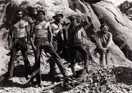 John Russell, Gregory Peck, Henry Morgan, Robert Arthur, Charles Kemper