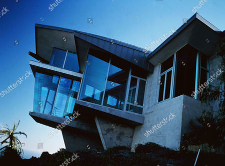 Stock Image of The Glass House (2001)