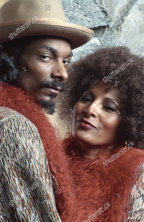 Snoop Doggy Dogg, Pam Grier