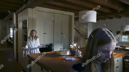 Stock Image of Deanna Dunagan, Elizabeth Dejonge
