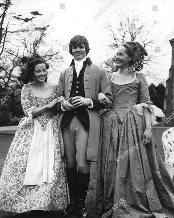 Anna Calder Marshall, Ian Ogilvy, Hilary Dwyer