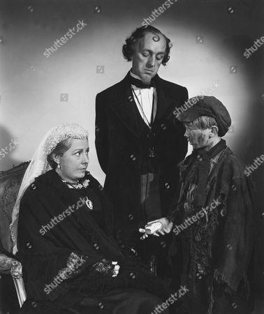 Irene Dunne, Alec Guinness, Andrew Ray