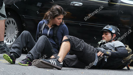 Marie Avgeropoulos, Taylor Lautner