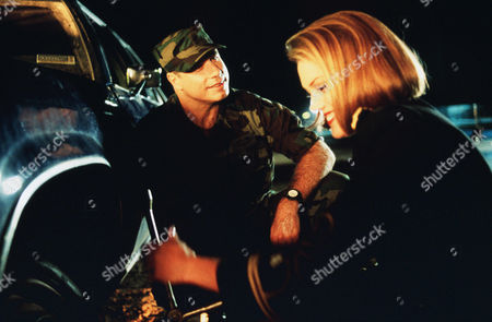 John Travolta, Leslie Stefanson