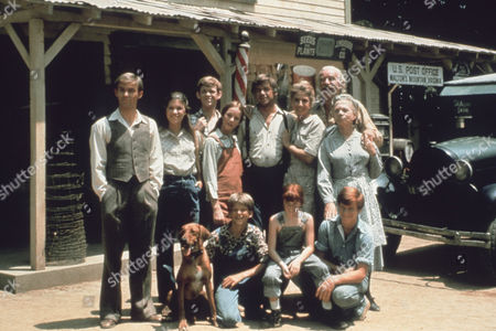 Richard Thomas, Judy Norton-Taylor, John Walmsley, Mary Beth McDonough, David W. Harper, Ralph Waite, Kami Cotler, Michael Learned, Will Geer, Eric Scott, Ellen Corby