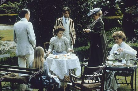 Helena Bonham Carter, Rupert Graves, Maggie Smith, Rosemary Leach