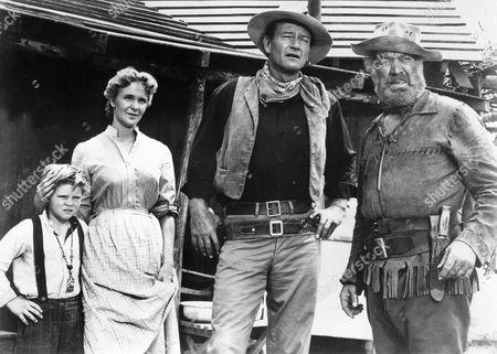 Lee Aaker, Geraldine Page, John Wayne, Ward Bond