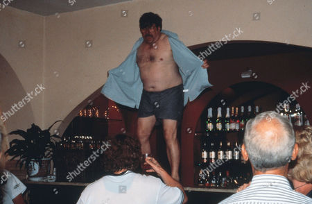 Editorial picture of Mike Bassett - England Manager - 2001
