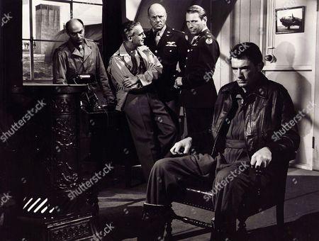 Gregory Peck, Paul Stewart, Dean Jagger, Gary Merrill