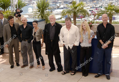 The cast of both the French and Engllish versions - Laurent Gerra, Clovis Cornillac, Jenifer Bartoli, Nick Nolte, William Shatner, Avril Lavigne and Bruce Willis