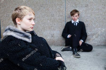 Mia Wasikowska, Henry Hopper
