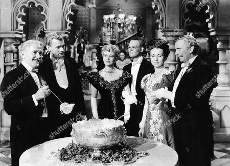 Richard Bennett, Joseph Cotten, Dolores Costello, Tim Holt, Agnes Moorehead, Ray Collins