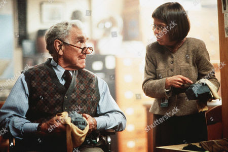 James Whitmore, Linda Hunt