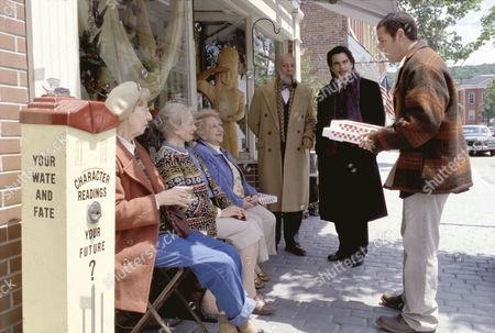 Editorial photo of Mr Deeds - 2002