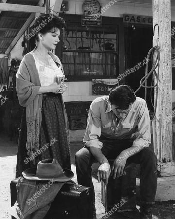 Anne Baxter, Laurence Harvey