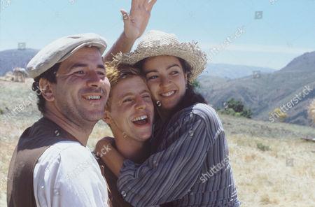 Guillermo Toledo, Matthew Goode, Veronica Sanchez