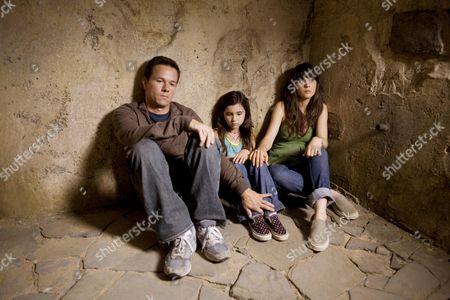 Mark Wahlberg, Ashlyn Sanchez, Zooey Deschanel