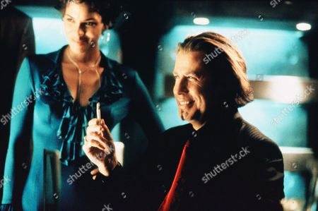 Halle Berry, John Travolta