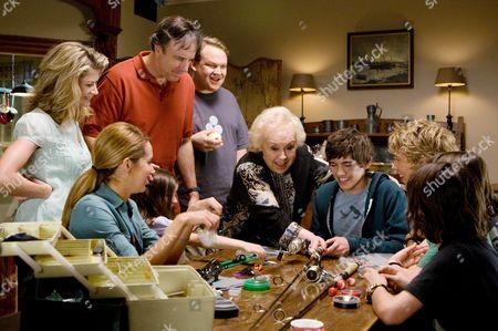 Gillian Vigman, Ashley Tisdale, Ashley Boettcher, Kevin Nealon, Andy Richter, Doris Roberts, Carter Jenkins, Austin Butler, Henri Young, Regan Young
