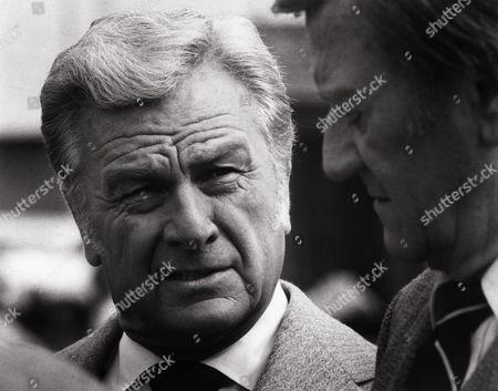 Eddie Albert, John Wayne