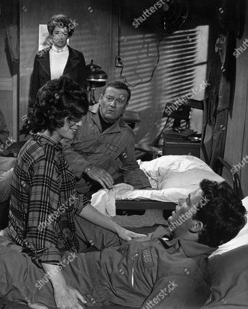 Katharine Ross, Vera Miles, John Wayne, Jim Hutton
