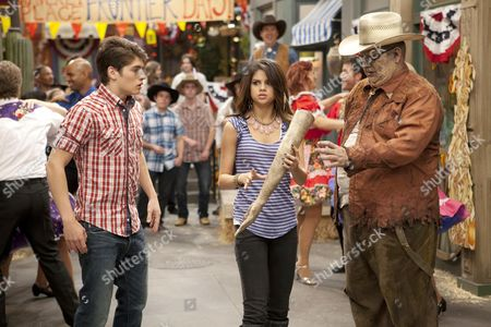 Editorial photo of The Wizards Of Waverly Place - 2007