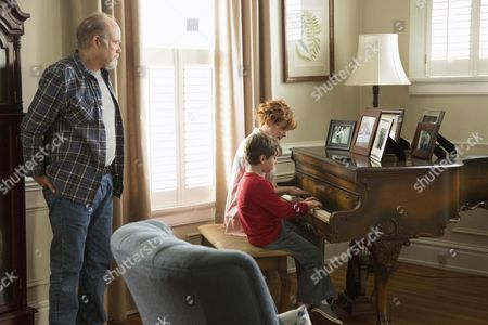 Kurtwood Smith, Landon Gimenez, Frances Fisher