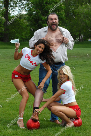 Leilani Dowding, Neil Ruddock and Kayleigh Pearson