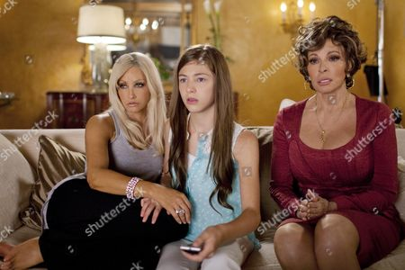 Gina Gershon, Madison McAleer, Raquel Welch