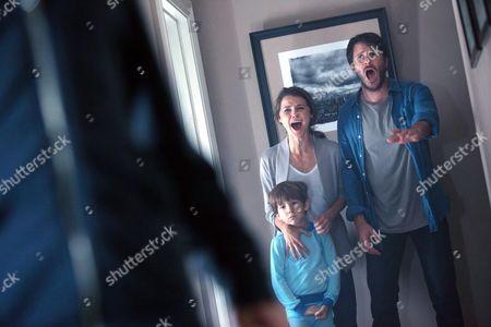 Stock Picture of Keri Russell, Kadan Rockett, Josh Hamilton
