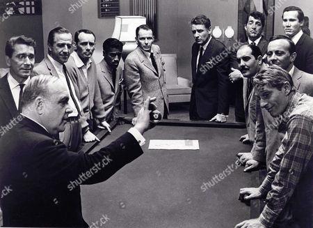 Akim Tamiroff, Richard Conte, Buddy Lester, Sammy Davis Jr, Frank Sinatra, Peter Lawford, Dean Martin, Henry Silva