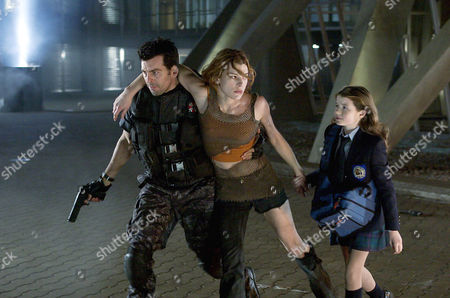 Stock Picture of Oded Fehr, Milla Jovovich, Sophie Vavasseur