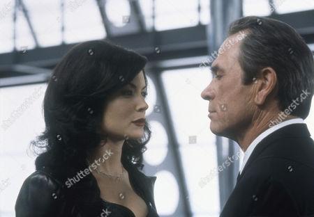 Lara Flynn Boyle, Tommy Lee Jones