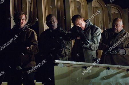Stock Picture of Dennis Quaid, Tyrese Gibson, Paul Bettany, Charles S. Dutton