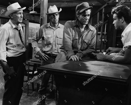 Walter Brennan, Lee Marvin, Robert Ryan, John Ericson