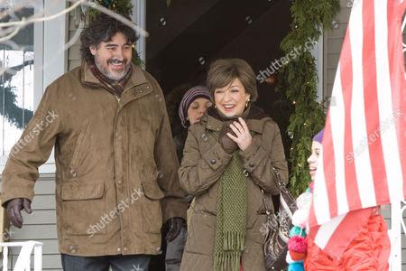 Alfred Molina, Elizabeth Pena