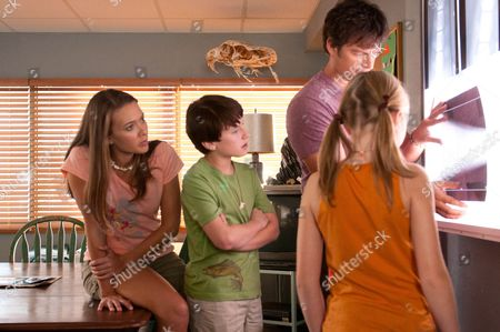 Austin Highsmith, Nathan Gamble, Harry Connick Jr, Cozi Zuehlsdorff