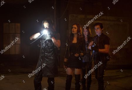Jamie Campbell Bower, Lily Collins, Jemima West, Kevin Zegers