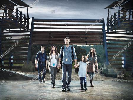 Stock Image of Landon Liboiron, Shelley Conn, Jason O'Mara, Alana Mansour, Naomi Scott