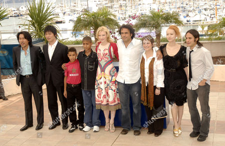 The cast of 'Babel including Cate Blanchett (c), Alejandro Gonzales Inarritu (4th r), Rinko Kikuchi (2nd r) and Gael Garcia Bernal (1st r)