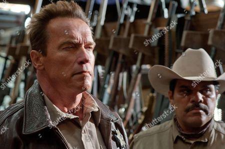Arnold Schwarzenegger, Luis Guzman