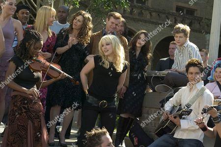 Dana Davis, Lauren Mayhew, Rebecca De Mornay, Rita Wilson, David Keith, Hilary Duff, Kat Dennings, Johnny Lewis, Oliver James
