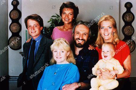 Michael J. Fox, Justine Bateman, Michael Gross, Meredith Baxter Birney, Tina Yothers