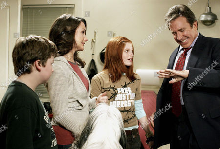 Stock Photo of Spencer Breslin, Kristin Davis, Zena Grey, Tim Allen