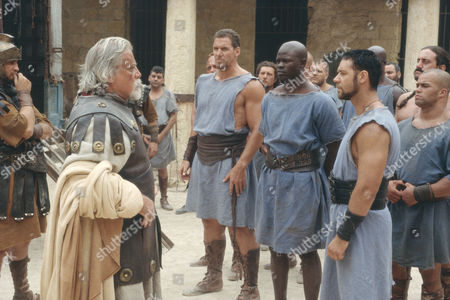 Oliver Reed, Ralph Moeller, Djimon Hounsou, Russell Crowe
