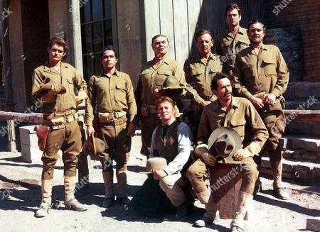 Bo Hopkins, Jaime Sanchez, Ernest Borgnine, William Holden, Warren Oates, Ben Johnson