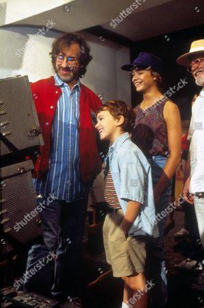 Steven Spielberg, Joseph Mazzello, Ariana Richards, Richard Attenborough