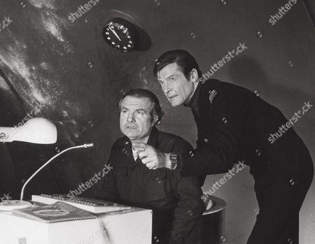 Shane Rimmer, Roger Moore