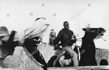 Kim Basinger, Sean Connery